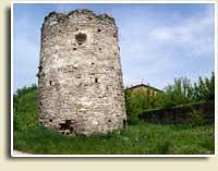 Круглв вежа. Набагато древніша замку